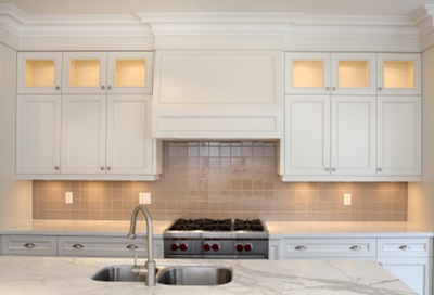 Cream Cabinets With White Crown